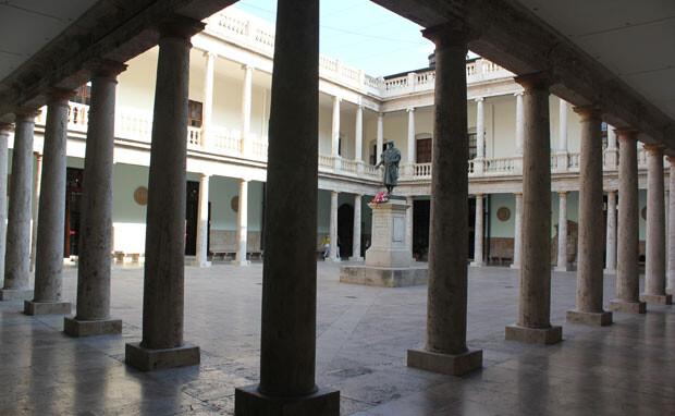 Claustro del edificio de La Nau de la Universitat de València, donde se celebrarán las jornadas