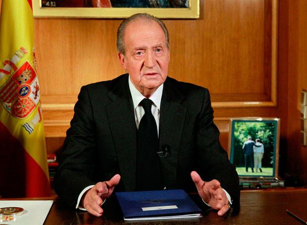 Su Majestad el Rey don Juan Carlos I, en el mensaje televisado por la muerte de Adolfo Suárez. Foto: Casareal.es