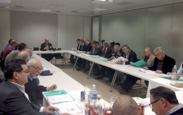 La Asociación de Clubes Náuticos de la Comunidad Valenciana en una de sus reuniones.
