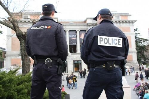 Agentes de la Policía francesa se integran en patrullas de la Policía Nacional para reforzar la atención al turista durante la Semana Santa