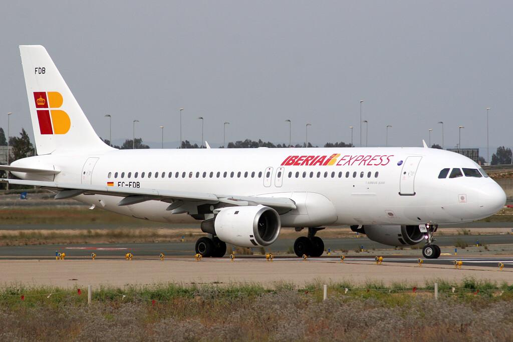 Airbus_A320-214_Iberia_Express_EC-FDB
