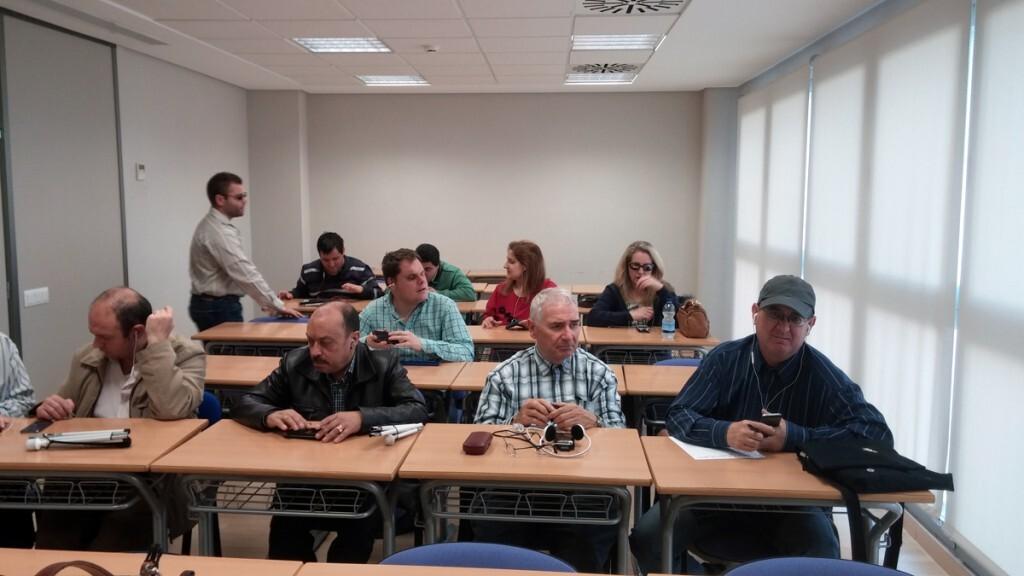 asistentes al curso de nuevas tecnologías para invidentes1
