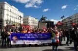 Miembros del CGT en una protesta contra el ERE de RTVV. Foto: CGT Valencia