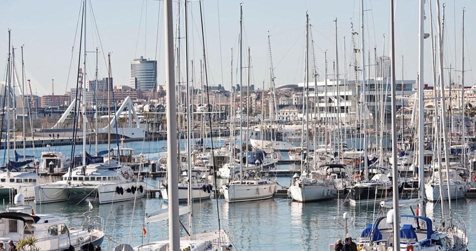 marina-real-juan-carlos-I-5-estrellas-blue-star-marina
