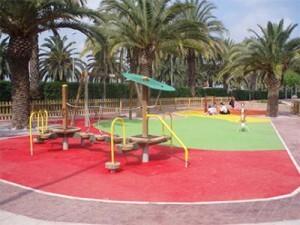 20080412193002-20080412-1209-372-zona-juegos-plazas-teresa-jornet-y-generalitat.-f