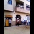 'topless' para promocionar 'bous al carrer' en La Vall d'Uixó