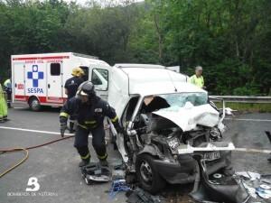 2014.06.30 ACCIDENTE DE TRÁFICO EN NAVA2