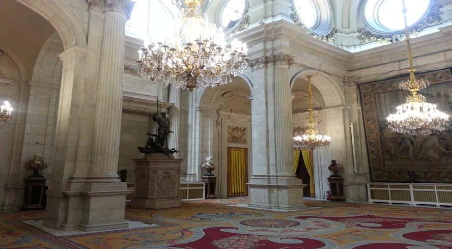 SANCIÓN DE LA LEY EN EL PALACIO REAL (SALÓN DE COLUMNAS)