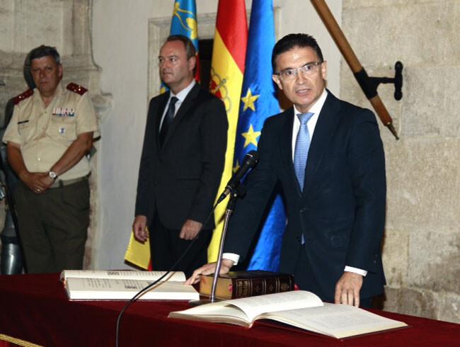 Toma de posesión de Serafín Castellano como Delegado del Gobierno en la Comunidad Valenciana, en presencia de Alberto Fabra.