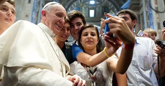Las selfies grupales se llamarán usies. (AP)