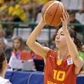 Laia Flores en posesion del balon. (Foto FEB)