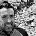 Miguel Ángel Pérez en el campo base del Everest a su regreso de la cima del Lhotse (2011) (© Darío Rodríguez/DESNIVEL)