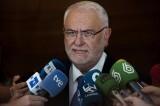 El presidente de Les Corts Valencianes, Juan Cotino, atiende a los medios de comunicación. EFE