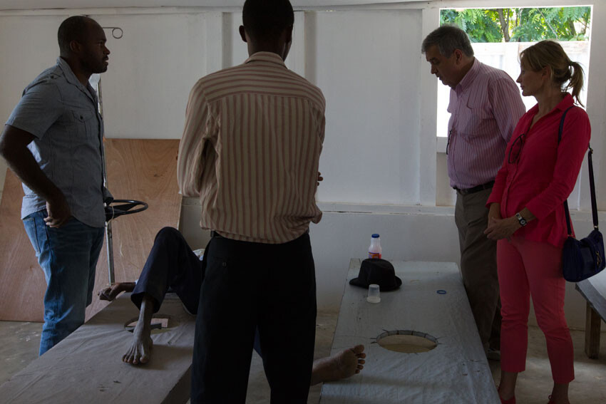 Pedro Medrano (2ºdcha) durante una visita a Haiti Foto archivo: MINUSTAH/Nektarios Markogiannis