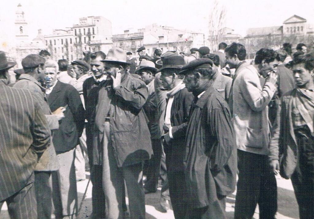 Mercado de burros. Ca. 1940. Archivo Toni Serrano