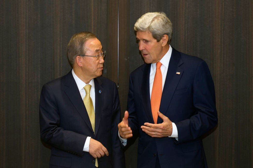 595836-ki-moon-kerry