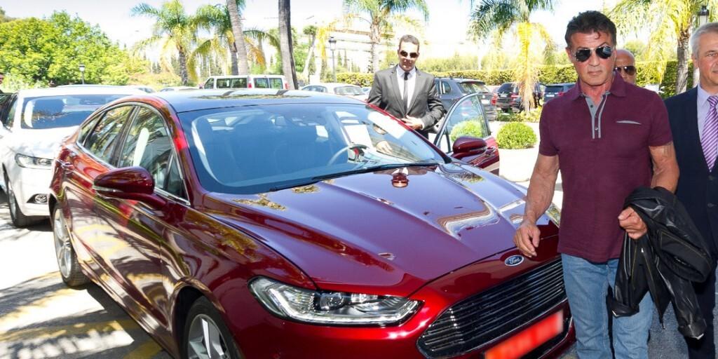 SylvesterStallone-con-el-nuevo-Ford-Mondeo-1100x550