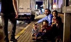 ©ACNUR/S.Baldwin. Esta familia siria llevaba una vida feliz en Alepo. Sin embargo, ahora padres e hijos duermen en las calles de Estambul, en Turquía. Esta familia forma parte de los tres millones de refugiados sirios, muchos de los cuales viven en una situación desesperada.