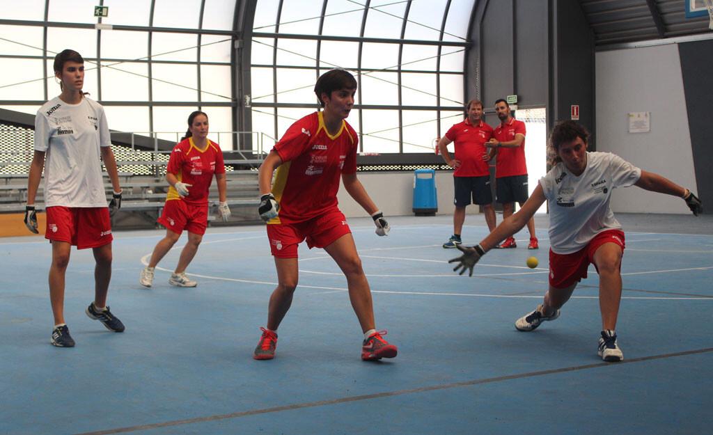 entrenament-jugadores-de-la-seleccio-femenina-2014