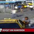 Impactante vídeo: Autobús arrastra a peatones y un taxi