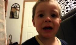 Vídeo: Niño llora al creer que su papá le roba la oreja