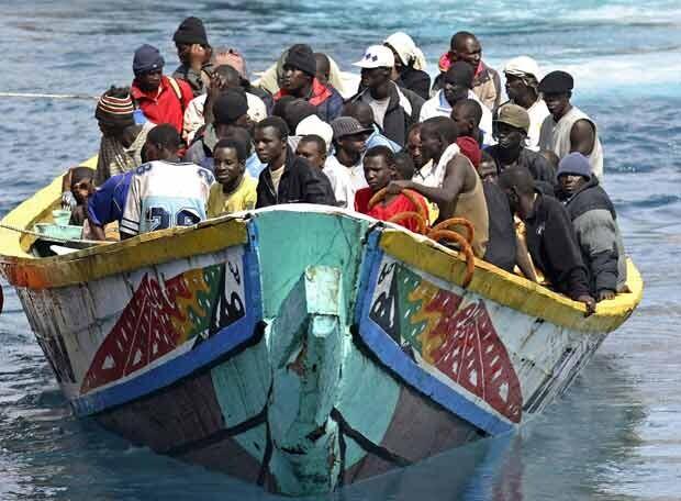 Arriba_Tenerife_cayuco_105_inmigrantes