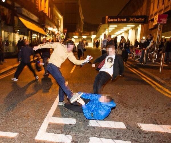 Scenes from the streets of Glasgow tonight  CasualUltra.com