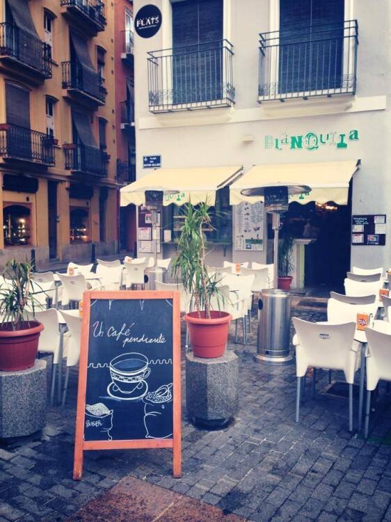 CAFÉ PENDIENTE EN BLANQUITA