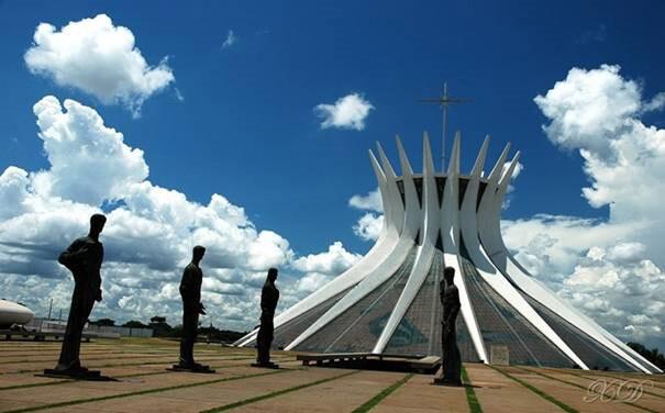 Catedral-de-Brasilia-(Brasil)
