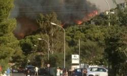 El incendio de Jávea obliga a desalojar a vecinos de Les Rotes (Dénia) (2)