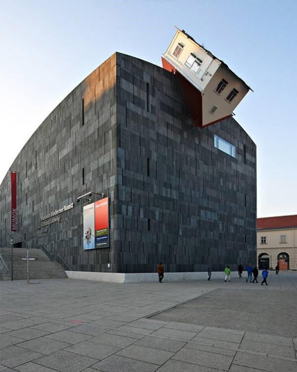 House-Attack-(Viena,-Austria)