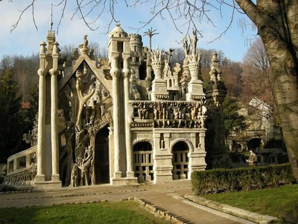 Ideal-Palace-(Francia)