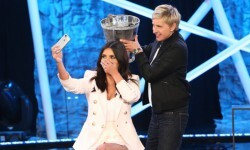 Kim Kardashian se sumó al  Ice Bucket Challenge
