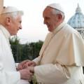 papa-francisco-y-benedicto