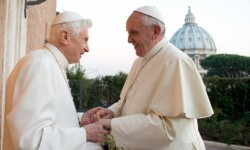 papa-francisco-y-benedicto