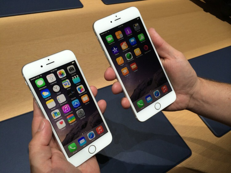 the-iphone-6-left-has-a-47-inch-screen-the-iphone-6-plus-right-has-a-55-inch-screen (1)