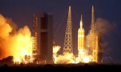 1 de 12La cápsula Orion de la NASA realizó hoy su primer vuelo de prueba no tripulado para experimentar la nave que ha sido diseñada para llevar al hombre a destinos más lejanos de lo explorado hasta ahora (11)