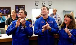 1 de 12La cápsula Orion de la NASA realizó hoy su primer vuelo de prueba no tripulado para experimentar la nave que ha sido diseñada para llevar al hombre a destinos más lejanos de lo explorado hasta ahora (3)