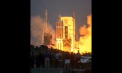 1 de 12La cápsula Orion de la NASA realizó hoy su primer vuelo de prueba no tripulado para experimentar la nave que ha sido diseñada para llevar al hombre a destinos más lejanos de lo explorado hasta ahora (4)