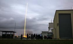 1 de 12La cápsula Orion de la NASA realizó hoy su primer vuelo de prueba no tripulado para experimentar la nave que ha sido diseñada para llevar al hombre a destinos más lejanos de lo explorado hasta ahora (7)