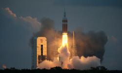 1 de 12La cápsula Orion de la NASA realizó hoy su primer vuelo de prueba no tripulado para experimentar la nave que ha sido diseñada para llevar al hombre a destinos más lejanos de lo explorado hasta ahora (8)