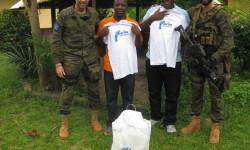 Los militares melillenses con los responsables de la Misión Don Bosco-Damala mde.es