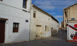 Casas protegidas de la calle Marqués de Elche, abandonadas.