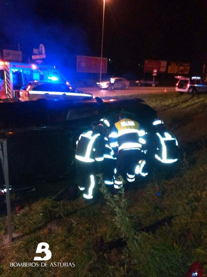 2014.12.08 Accidente de tráfico en Langreo 3