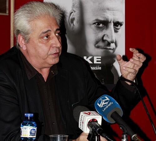 Anthony Blake durante su rueda de prensa en el Teatro Talía. (Foto-VLCNoticias)