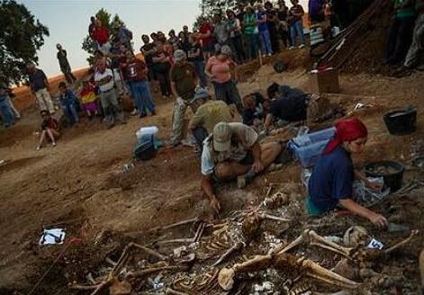 Búsqueda restos de víctimas del franquismo. (Foto-AP)