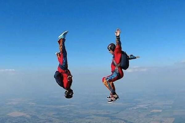 Deportes de riego como el paracaidismo. (Foto-Agencias)