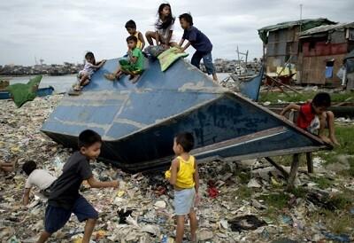 Destrozos generalizados en toda Filipinas por el tifón Hagupit. (AFP)
