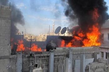 Edificio en llamas en una imagen de archivo (Foto-Agencias)