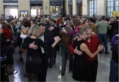 Exhibición en la Estación del Norte de tango. (Foto-Adif)